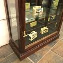 Thin mahogany shop cabinet with mirror back - picture 4