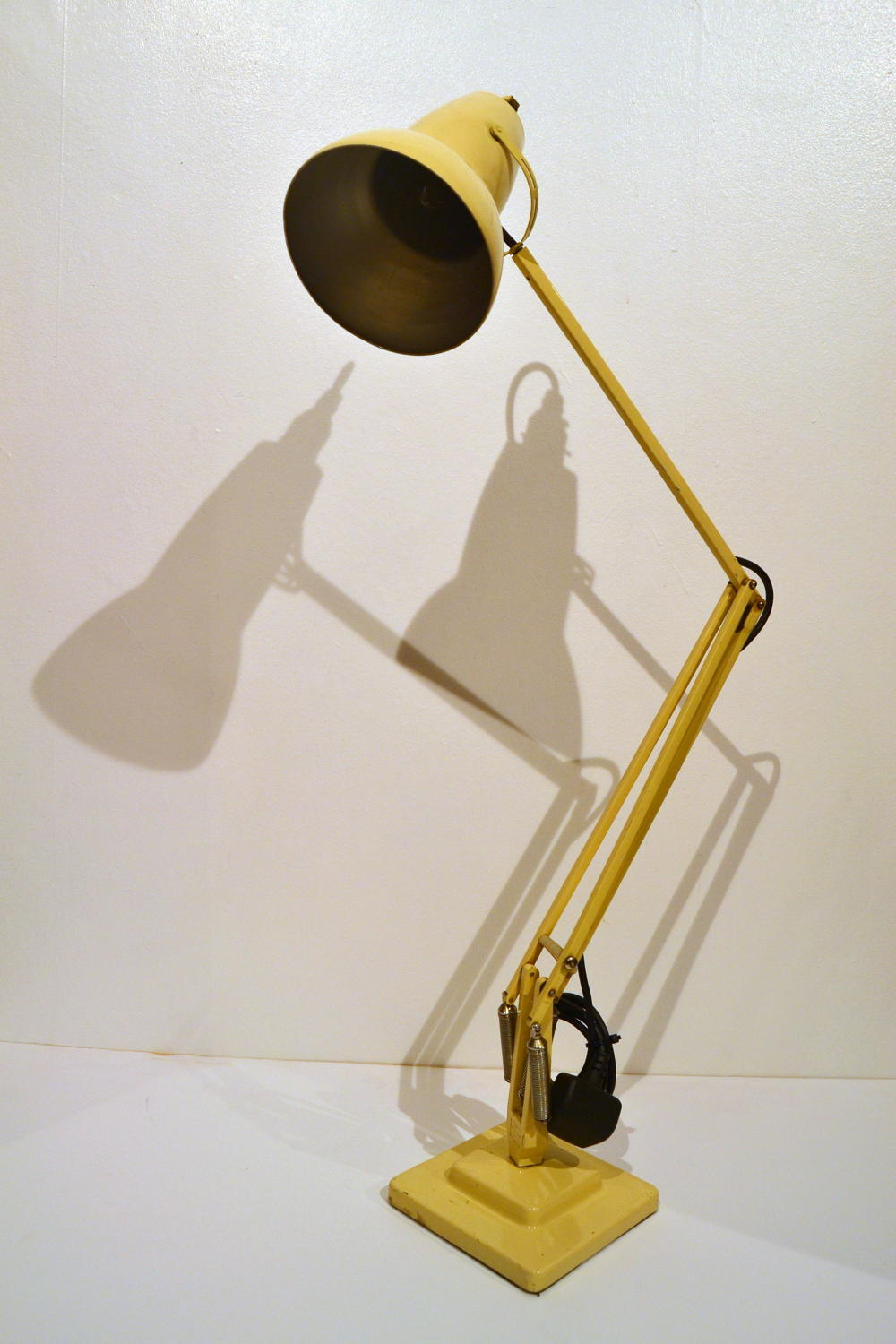 Cream Anglepoise Lamp
