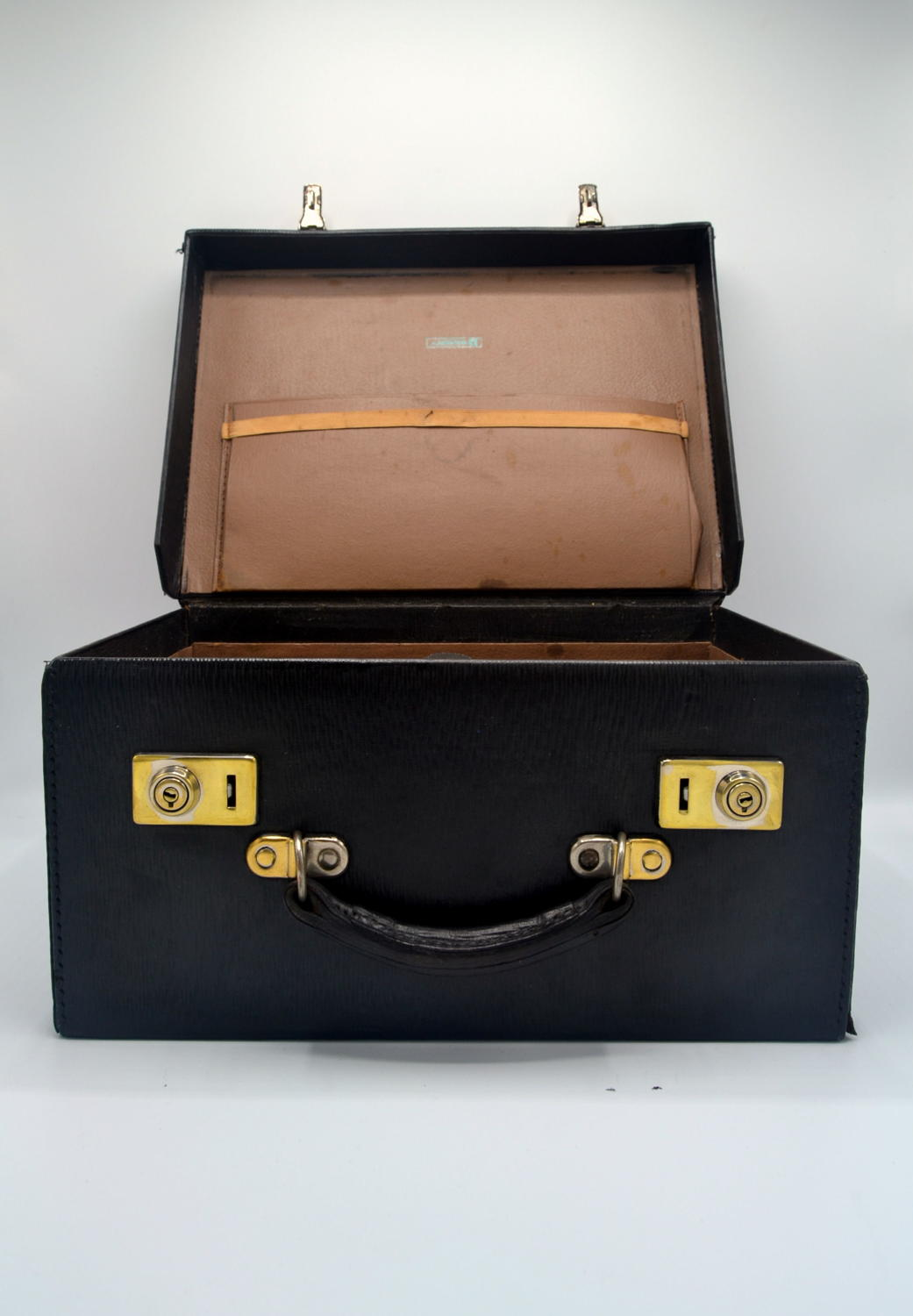 15 Black Leather Suitcases