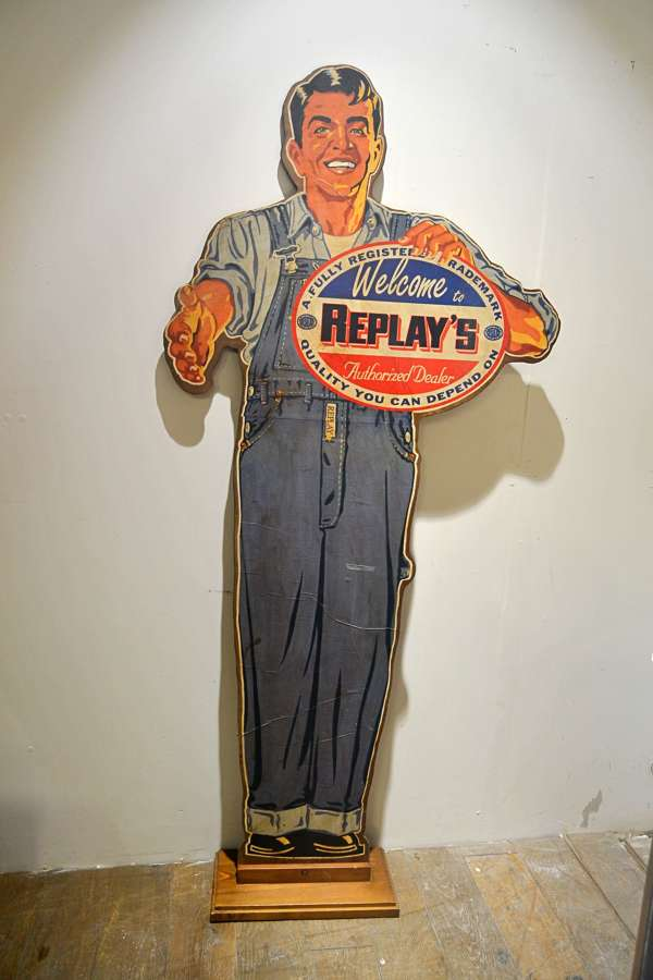 Replay Shop Cutout